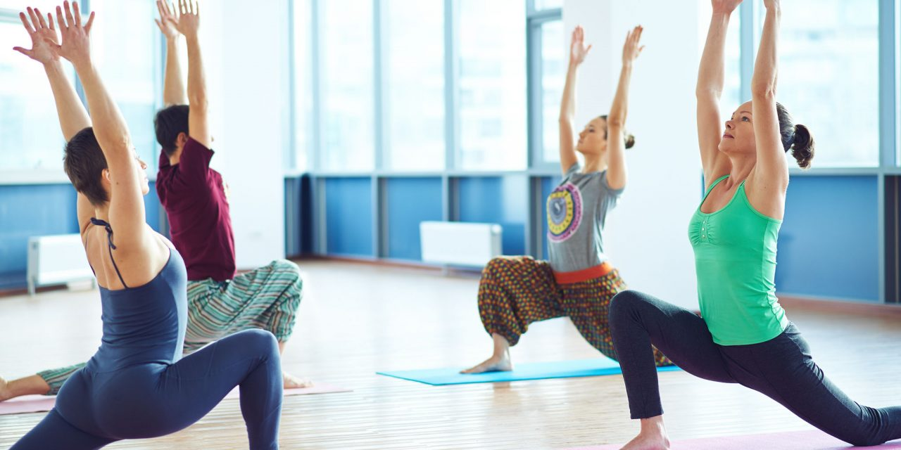 https://www.ayurvedatourindia.com/wp-content/uploads/2018/09/yogacoursesinindia-1280x640.jpg