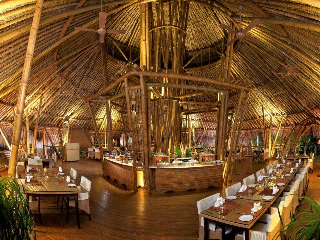 https://www.ayurvedatourindia.com/wp-content/uploads/2020/02/restaurant-ada-640x480.jpg