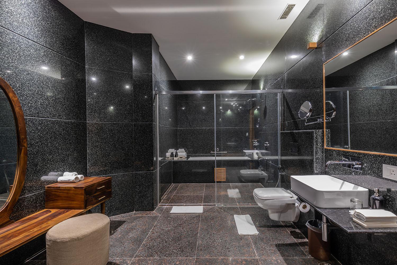 bathroom-naad-suite-naad-wellness