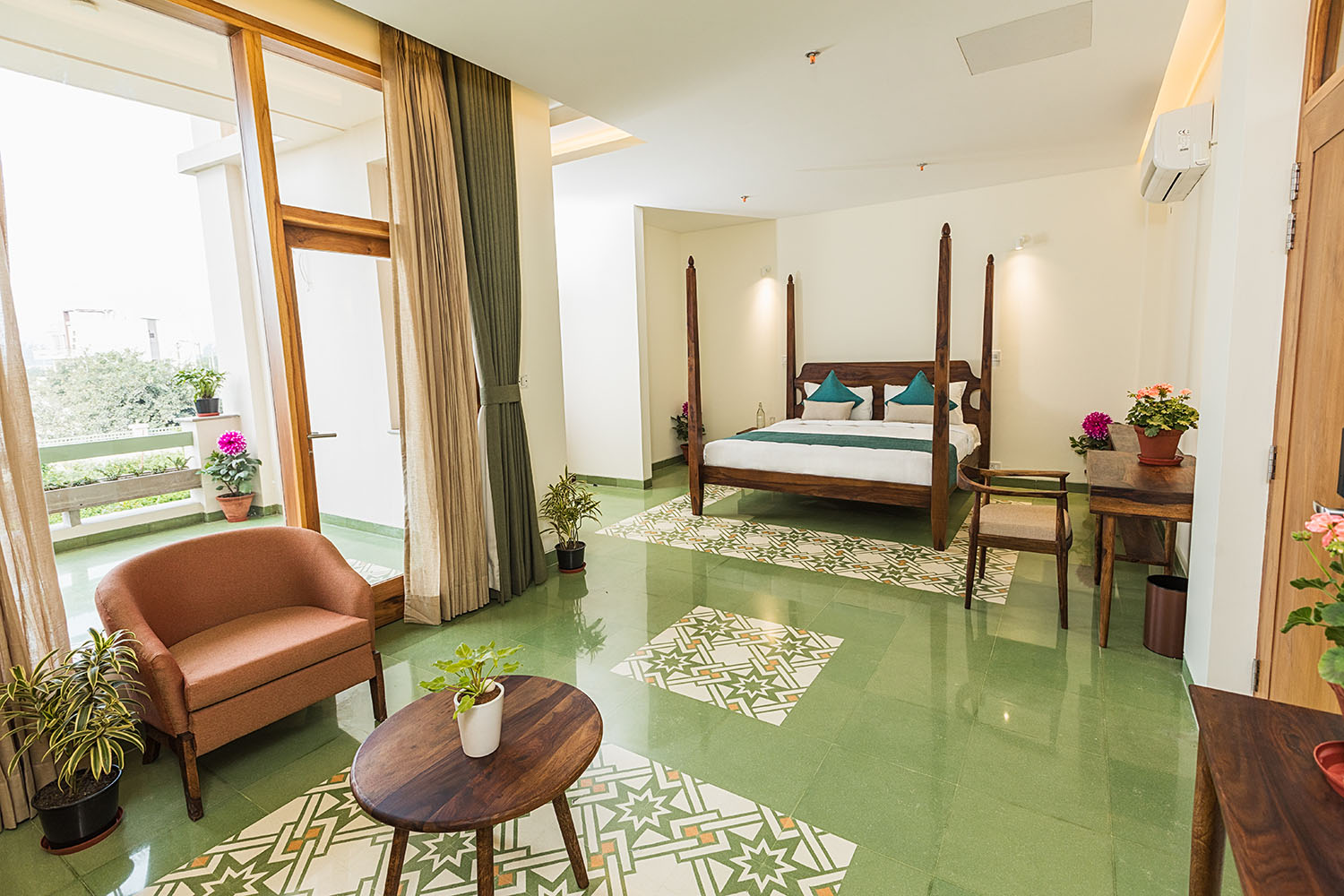 royal-suite-with-private-balcony-naad-wellness